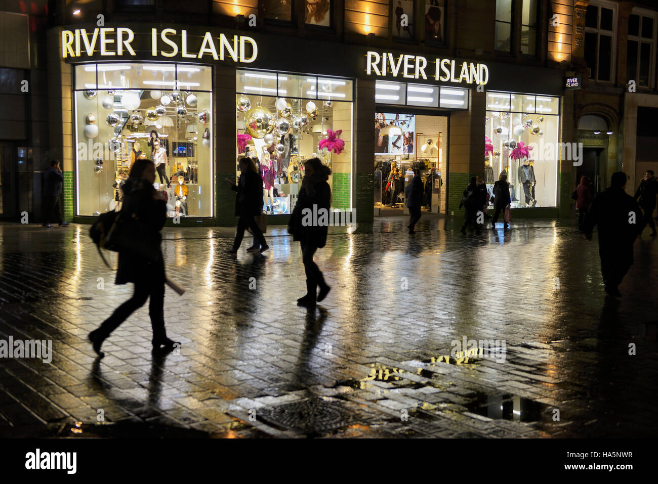 River Island fashion clothing store at night in Liverpool Stock Photo