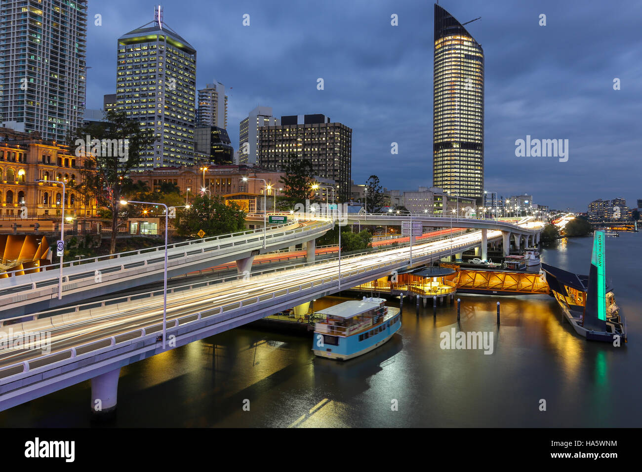 Brisbane city motorway M3 at night time with headlight streaks - Stock Image