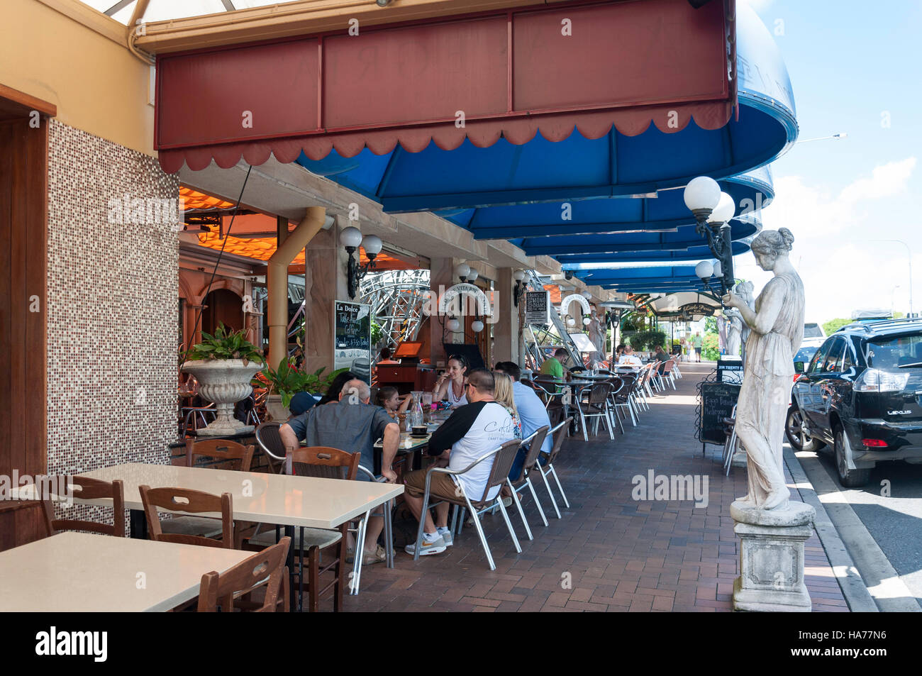 La Dolce Vita Restaurant, Savoir Faire Residence, Park Road, Milton, Brisbane, Queensland, Australia Stock Photo