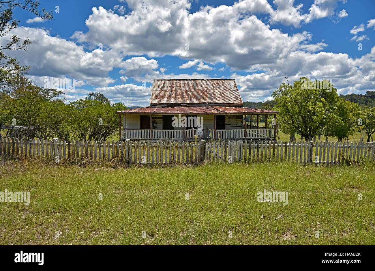 derelict australian outback farm house on the old grafton road between HAAB2K - 38+ Australian Farm House Images  Pictures