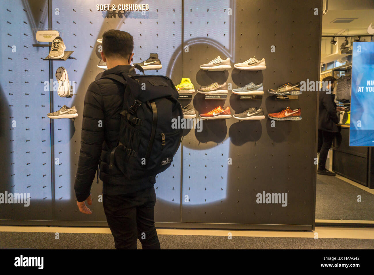 Athletic Shoe Store Stock Photos & Athletic Shoe Store Stock Images ...