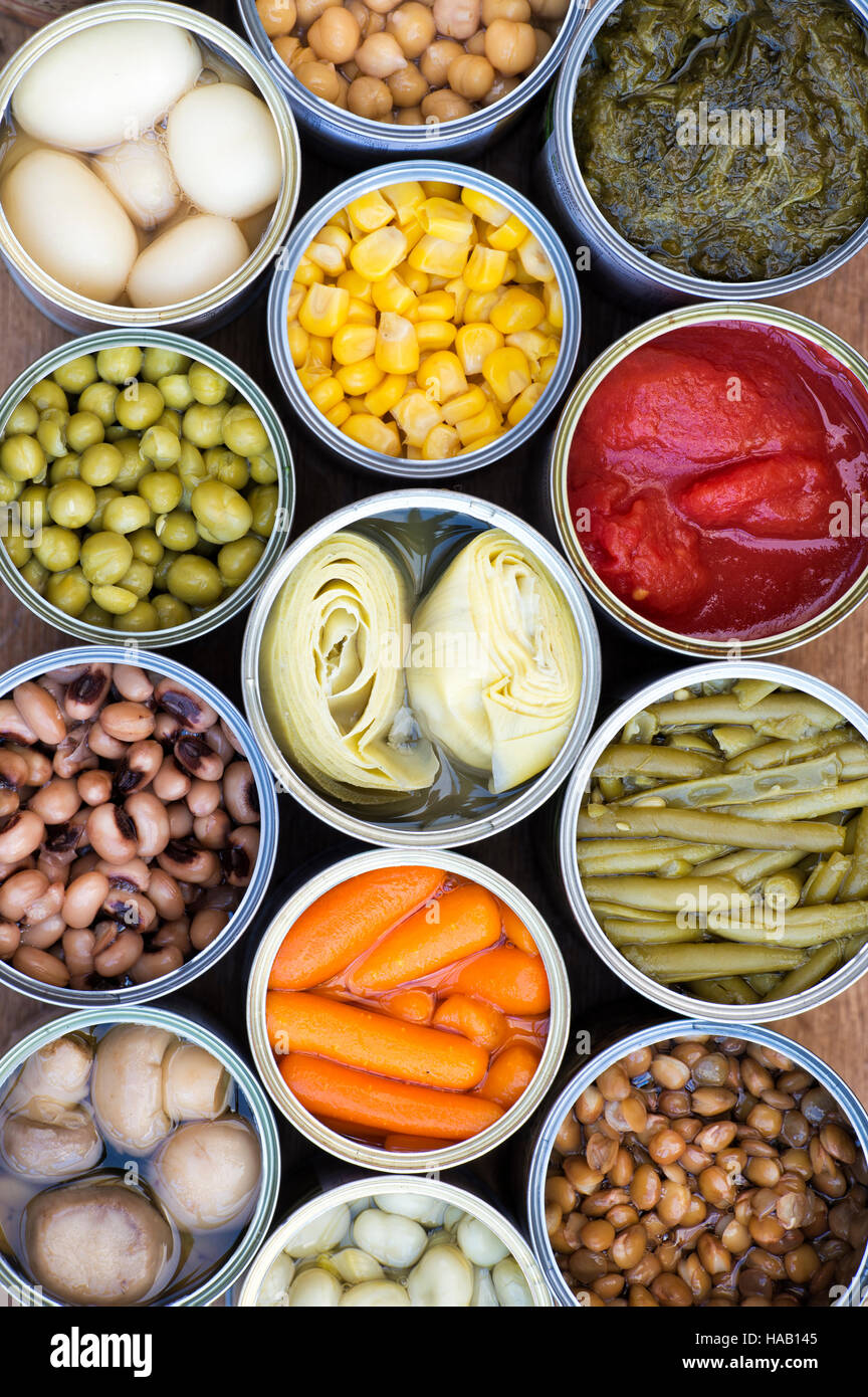 Tinned vegetables, beans and pulses pattern - Stock Image