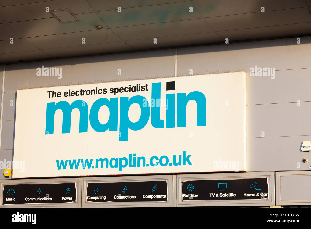 Shop sign, Maplin, the electrical specialist, London, UK - Stock Image