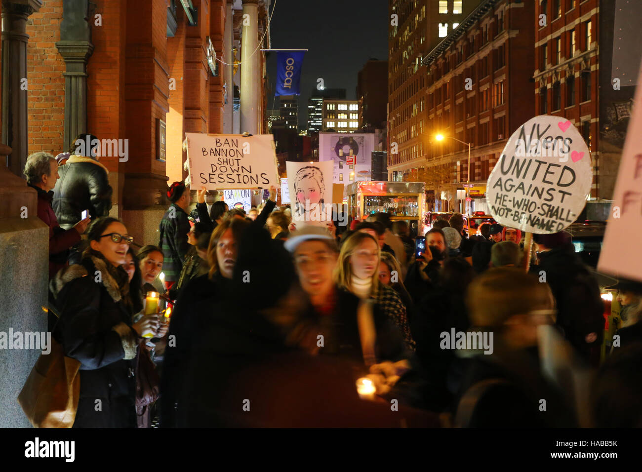 New York, USA. 28th November, 2016. Artists, and activists hold a candlelight vigil and demonstration outside the - Stock Image