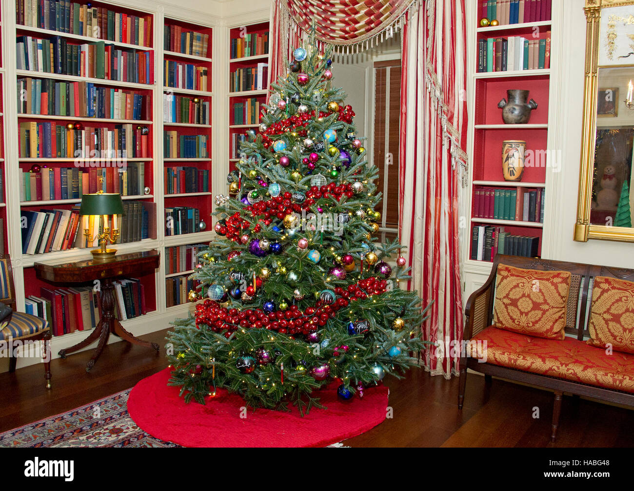 the 2016 white house christmas decorations are previewed for the press at the white house in washington dc on tuesday november 29 2016
