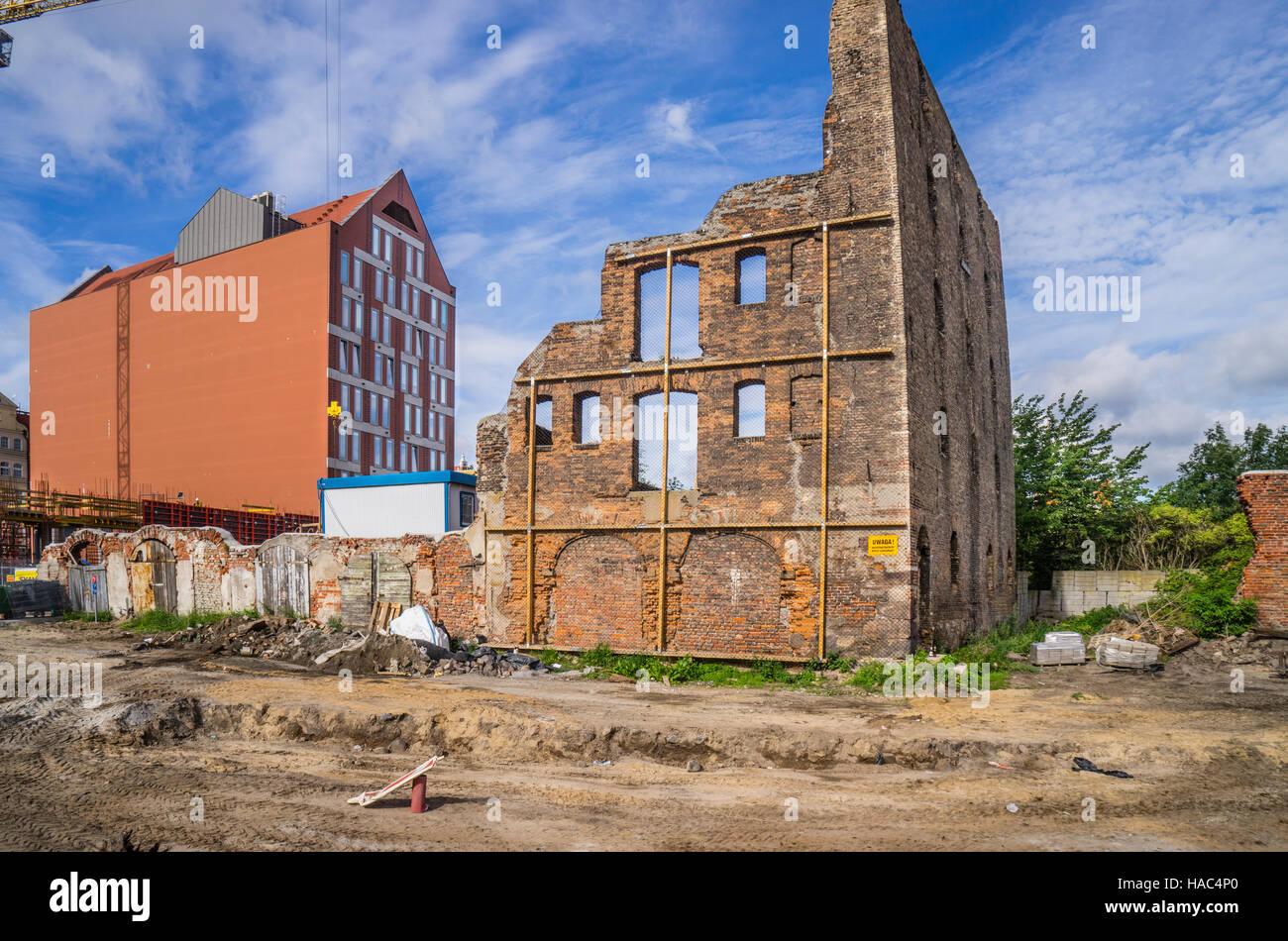 Poland, Pomerania, Gdansk (Danzig), WWII ruins give way for redevelopment on Granary Island (Speicherinsel/Wyspy - Stock Image