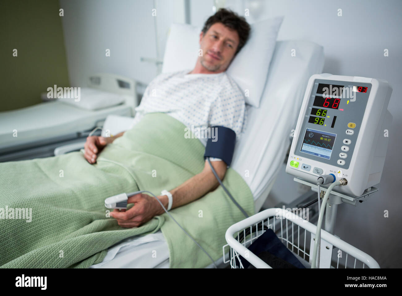 Pulse Oximeter Stock Photos Amp Pulse Oximeter Stock Images