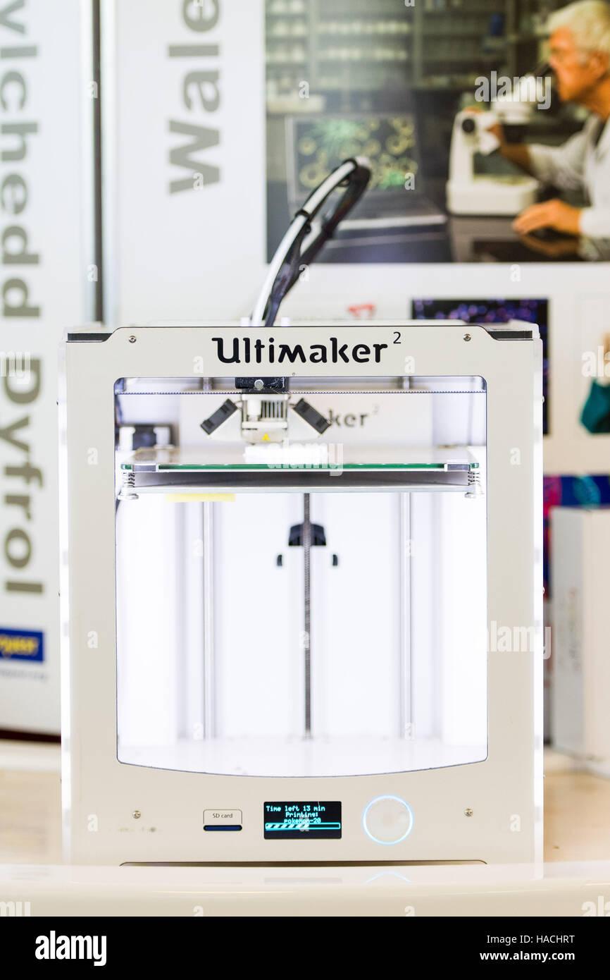 """An """"Ultimaker 2"""" 3D printer Stock Photo"""