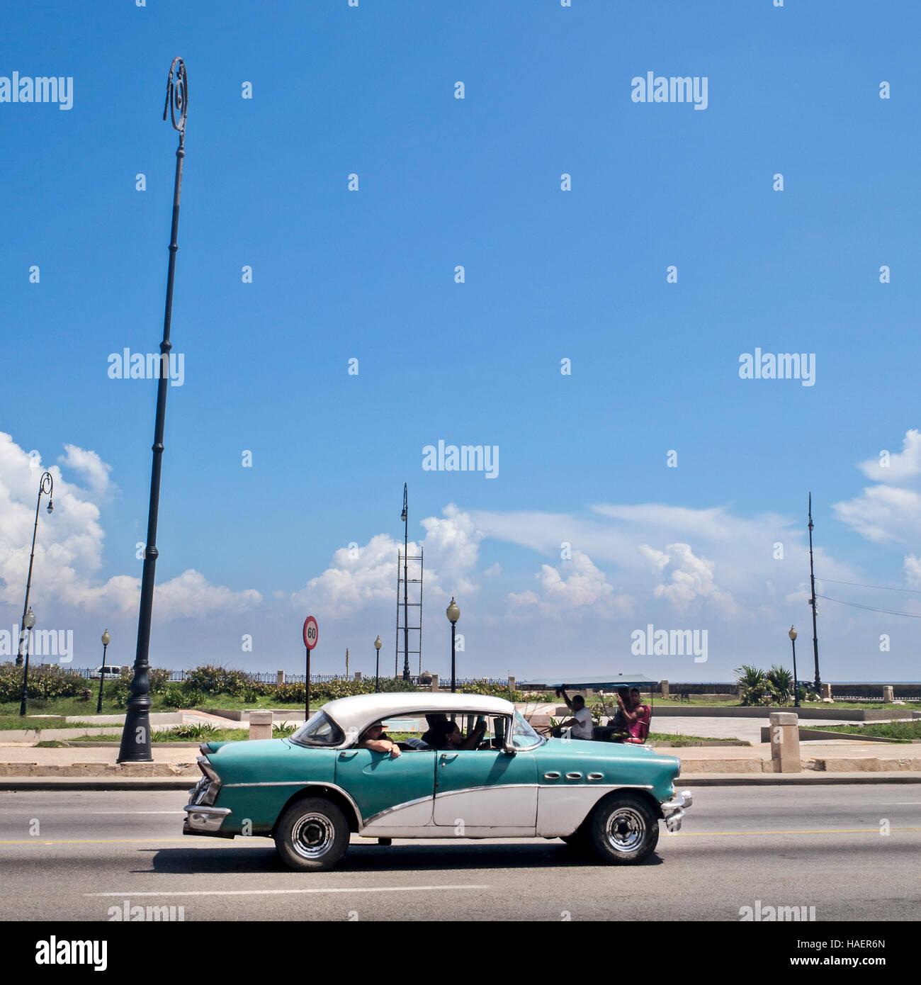 American classic car Malecón,Havana, Cuba - Stock Image