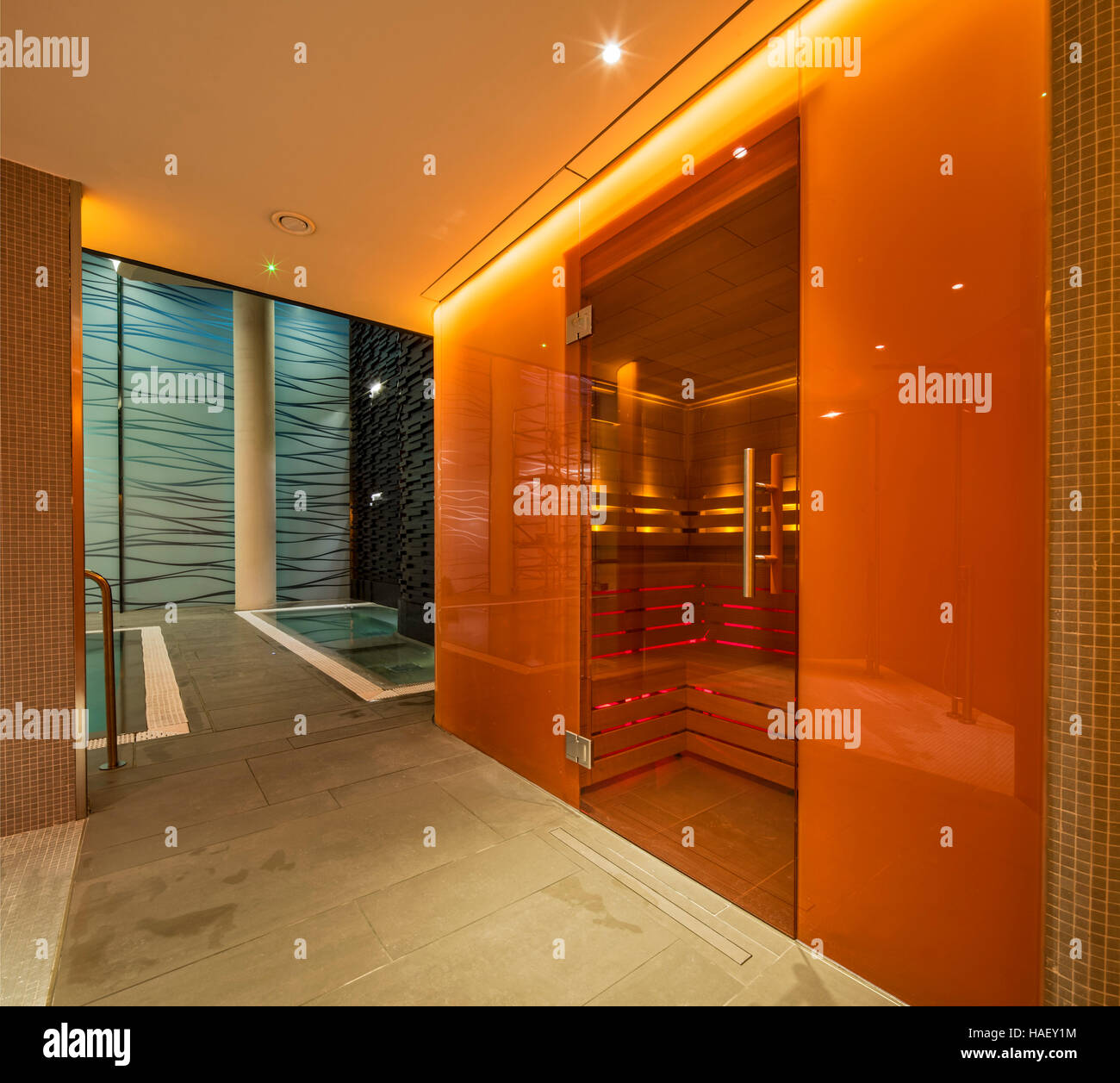 Hotel swimming pool london stock photos hotel swimming - Apartments with swimming pool london ...