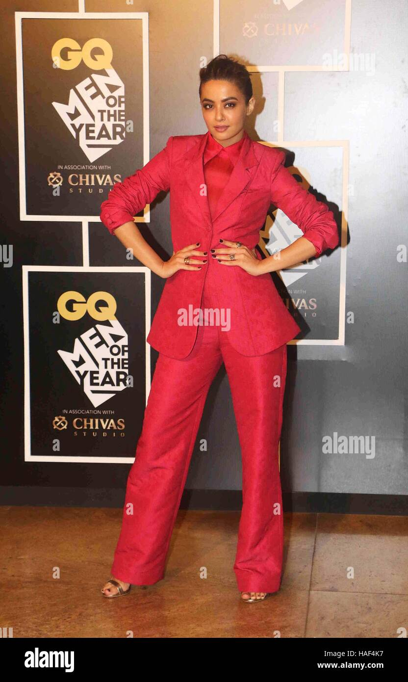 Bollywood actor Surveen Chawla during the GQ India Men of the year Award 2016 ceremony in Mumbai - Stock Image
