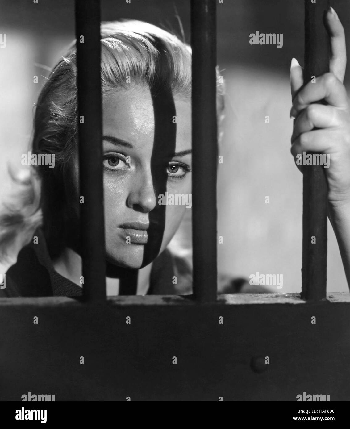 BLONDE SINNER (aka Yield To the Night) 1956 Associated British film with Diana Dors Stock Photo
