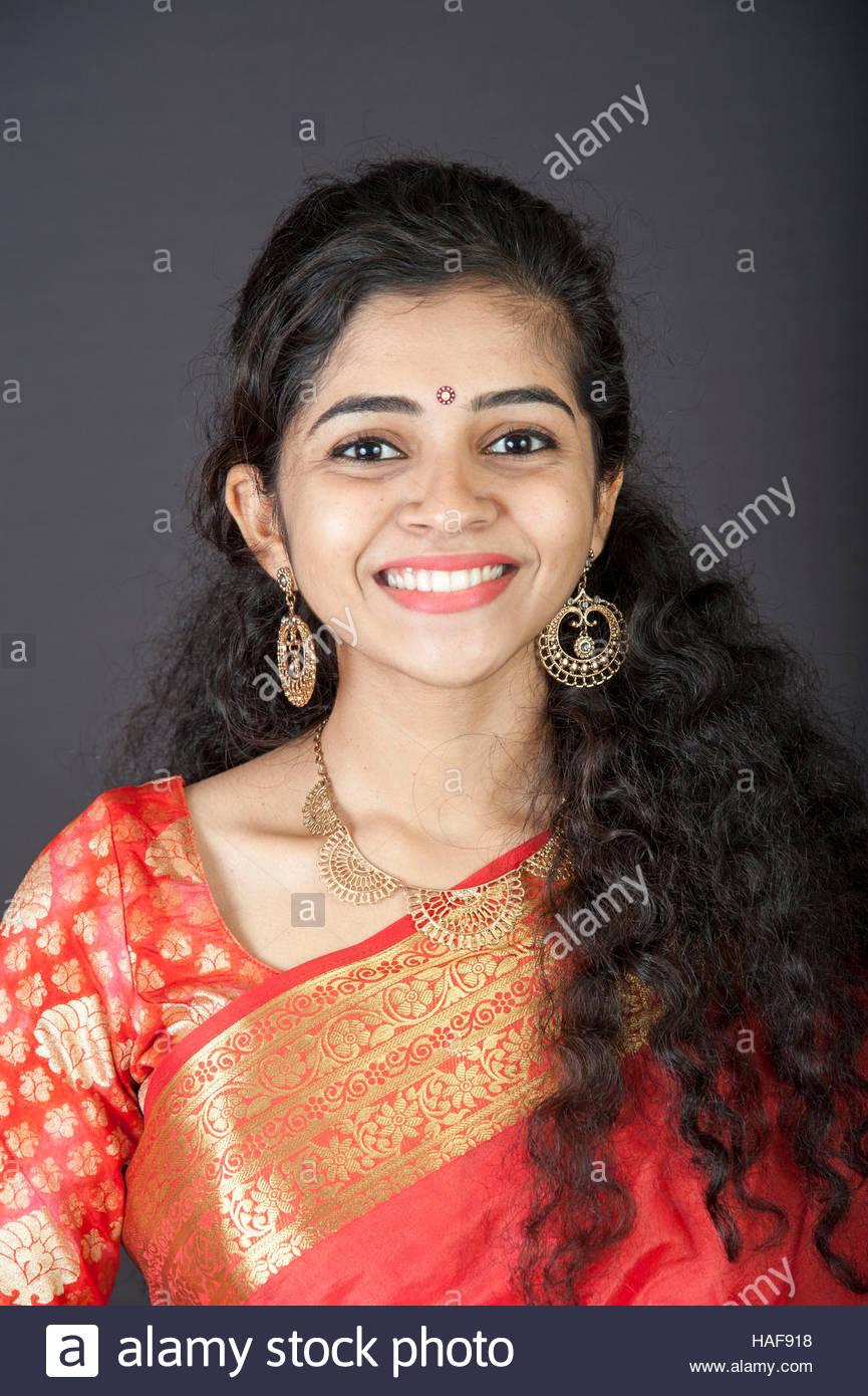 Hindu girls Nude Photos 60