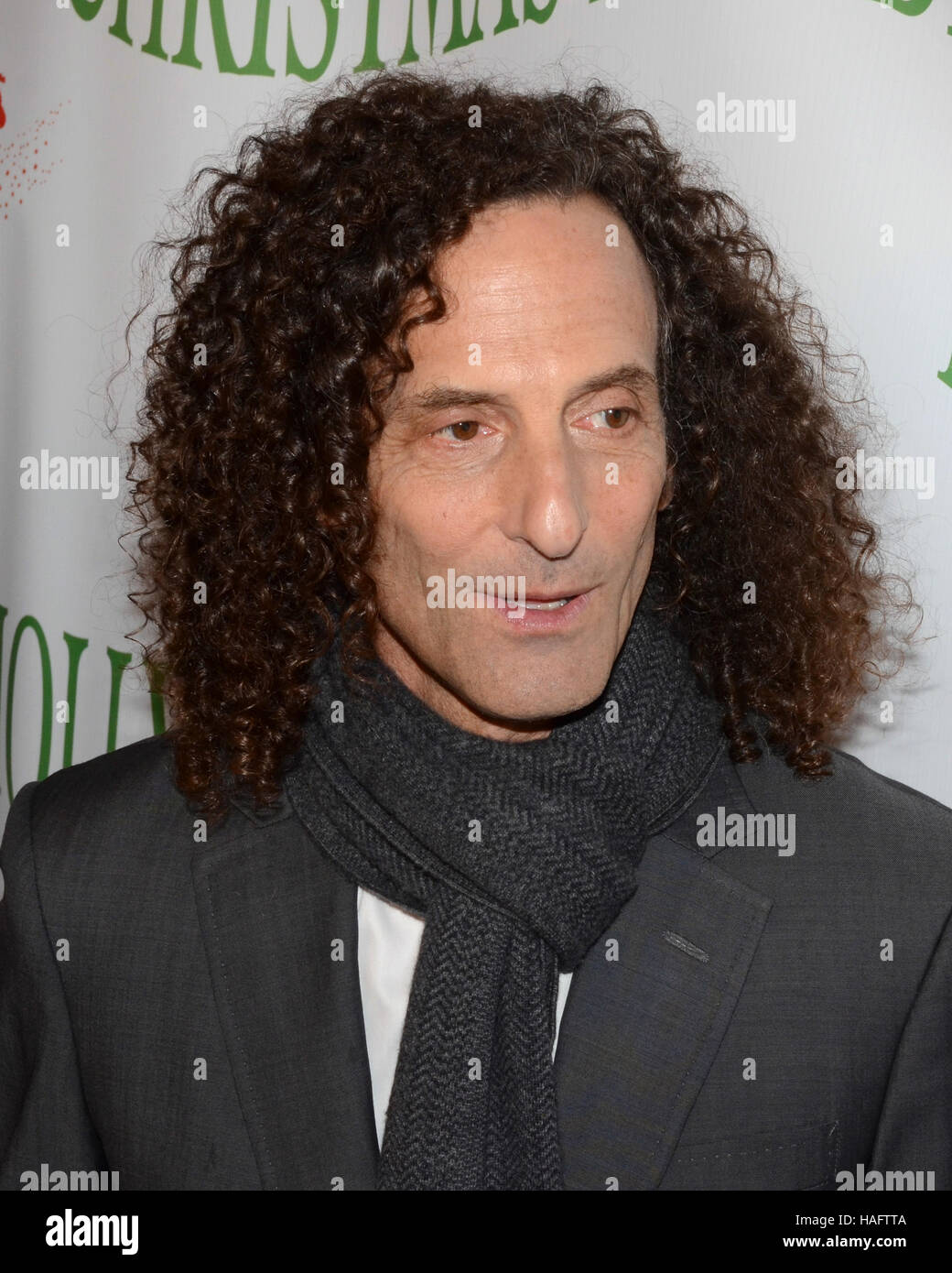 Kenny G Christmas.Kenny G Arrives At The 85th Annual Hollywood Christmas