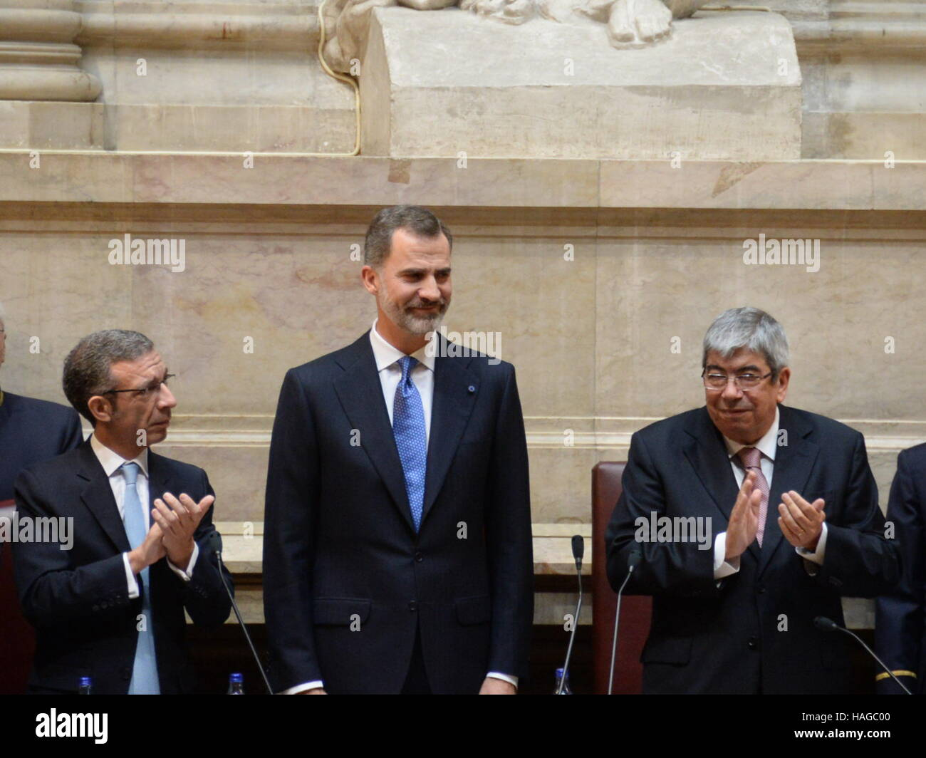 Lisbon, Portugal. 30th Nov, 2016. Spanish King Filipe VI (C) is seen at the Portuguese Parliament in Lisbon, capital - Stock Image
