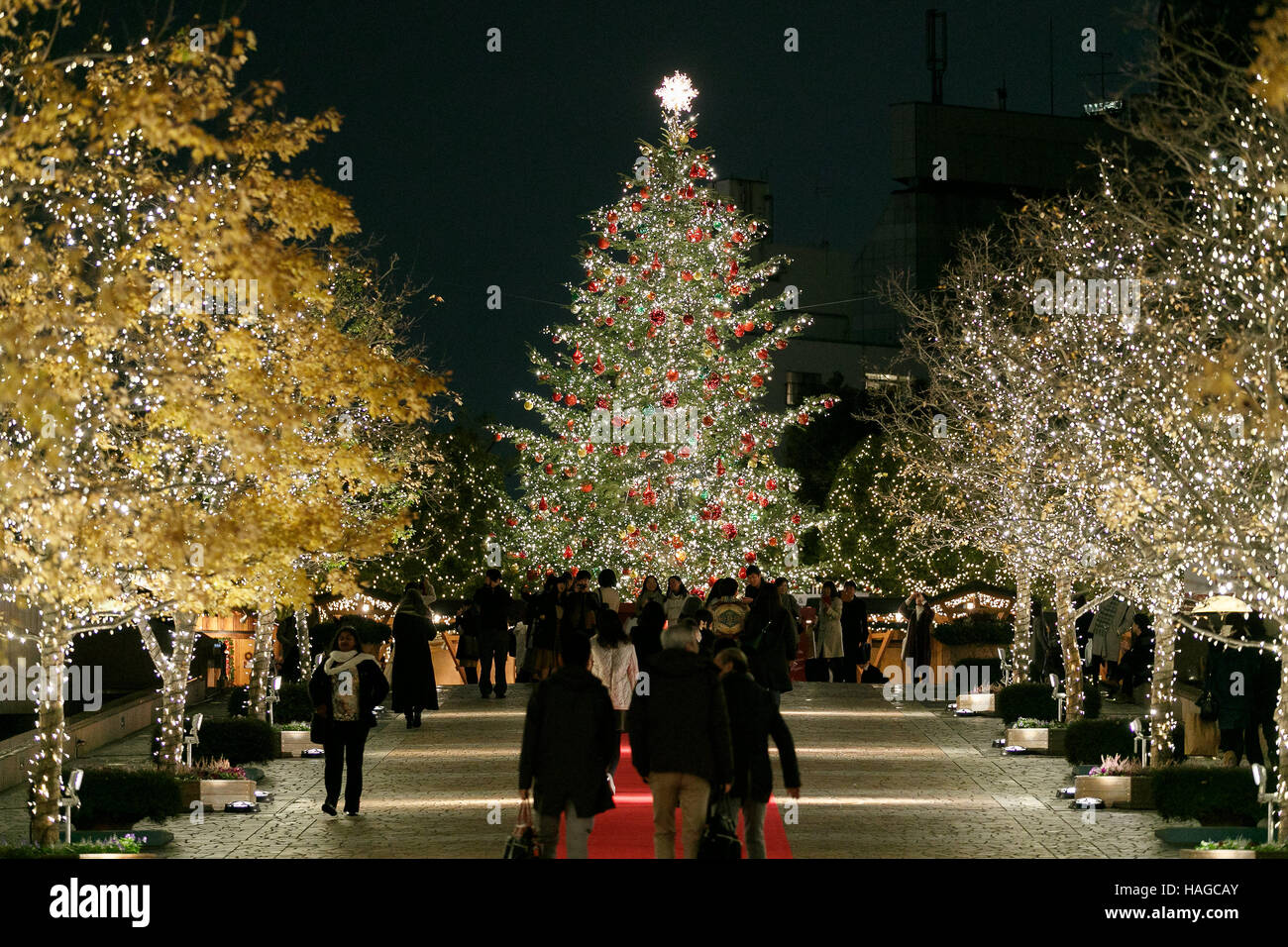 Visitors gather at Ebisu Garden Place on November 30, 2016, Tokyo, Japan. The Baccarat Eternal Lights is an annual - Stock Image