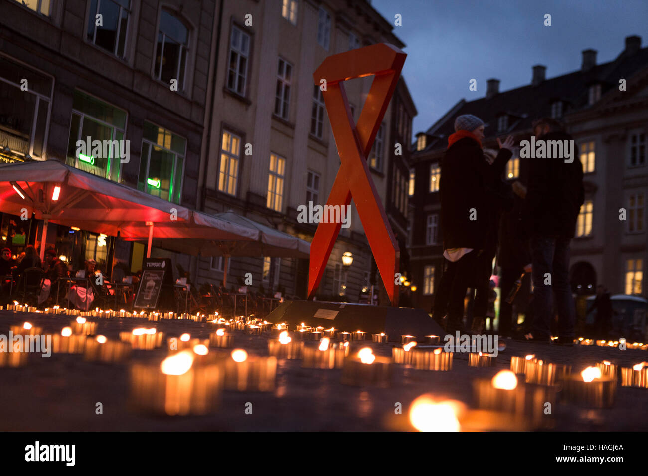 Copenhagen, Denmark. 01st Dec, 2016. Denmark, Copenhagen, December 1st. World AIDS Day is held on 1 December each - Stock Image