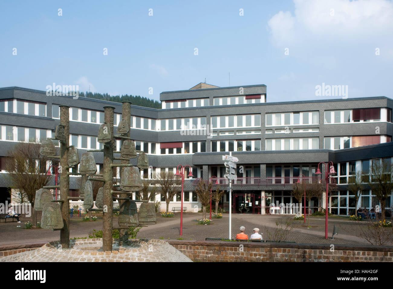 Deutschland, Nordrhein-Westfalen, Kreis Olpe, Lennestadt, Stadtteil Altenhundem, Rathaus - Stock Image