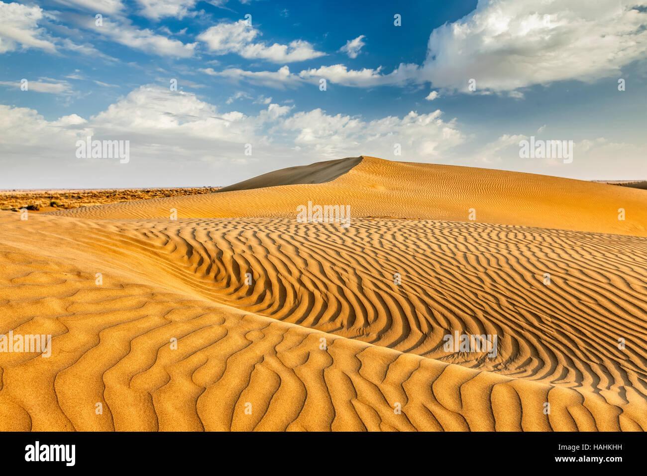 Sand dunes in desert - Stock Image