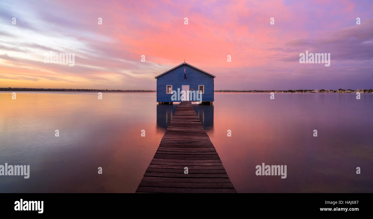 Crawley Edge Boatshed and the Swan River at sunrise. Perth, Australia. - Stock Image