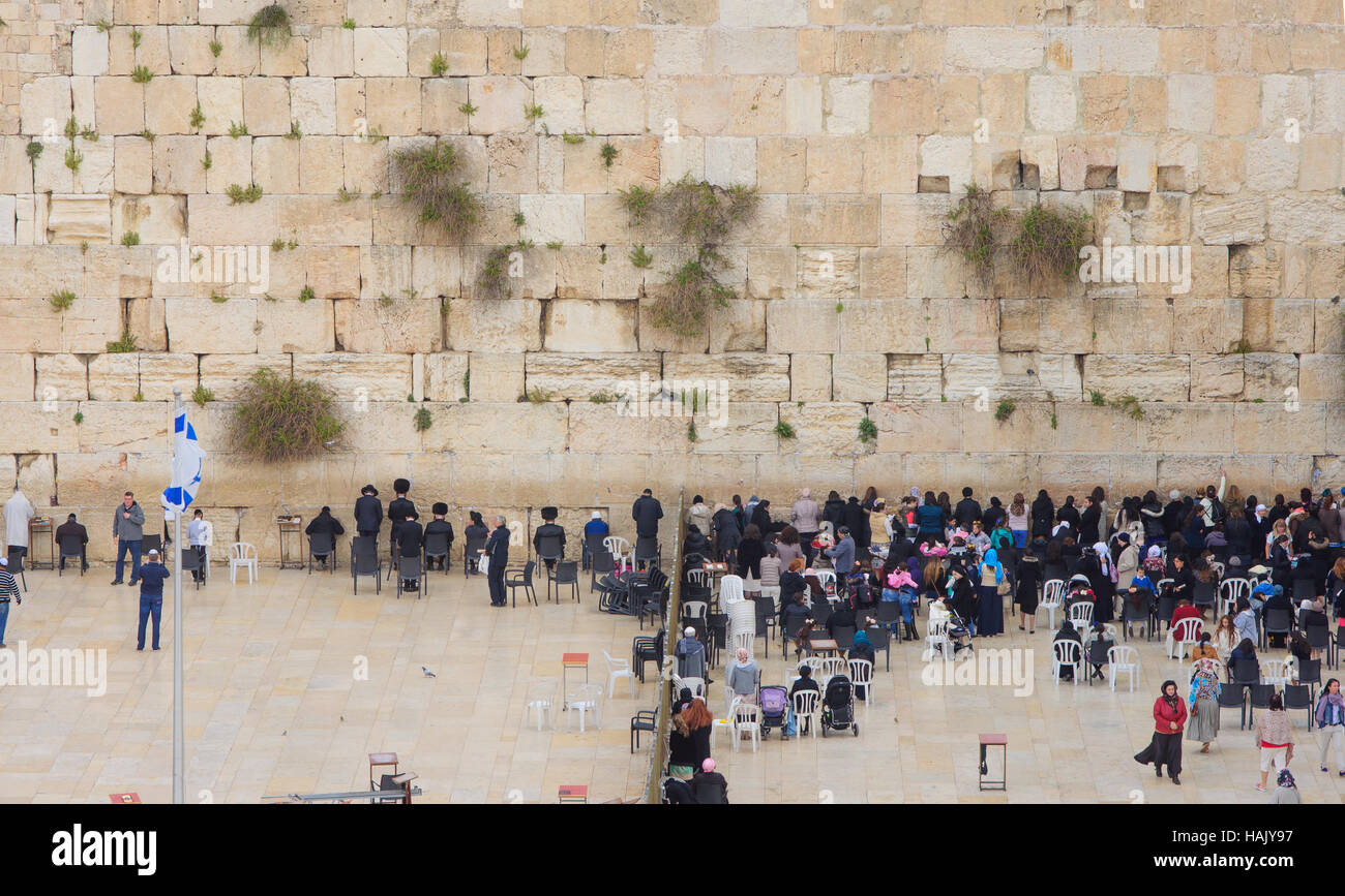 JERUSALEM, ISRAEL - APRIL 10, 2015: The Western Wall crowded with Passover prayers, in the old city of Jerusalem, - Stock Image