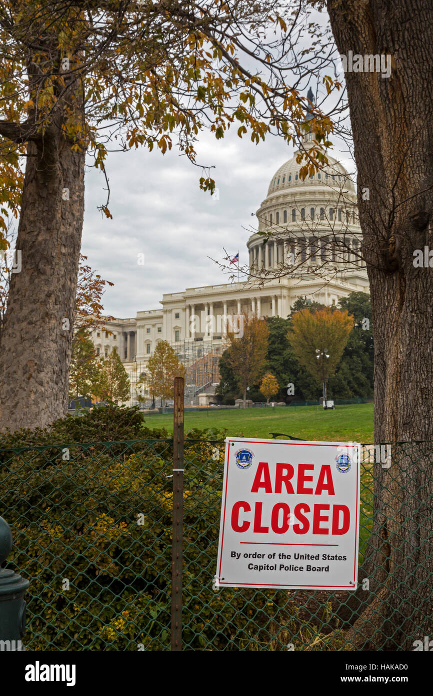 Washington, DC - The west lawn of the U.S. Capitol building is closed while workers build a platform for the inauguration - Stock Image