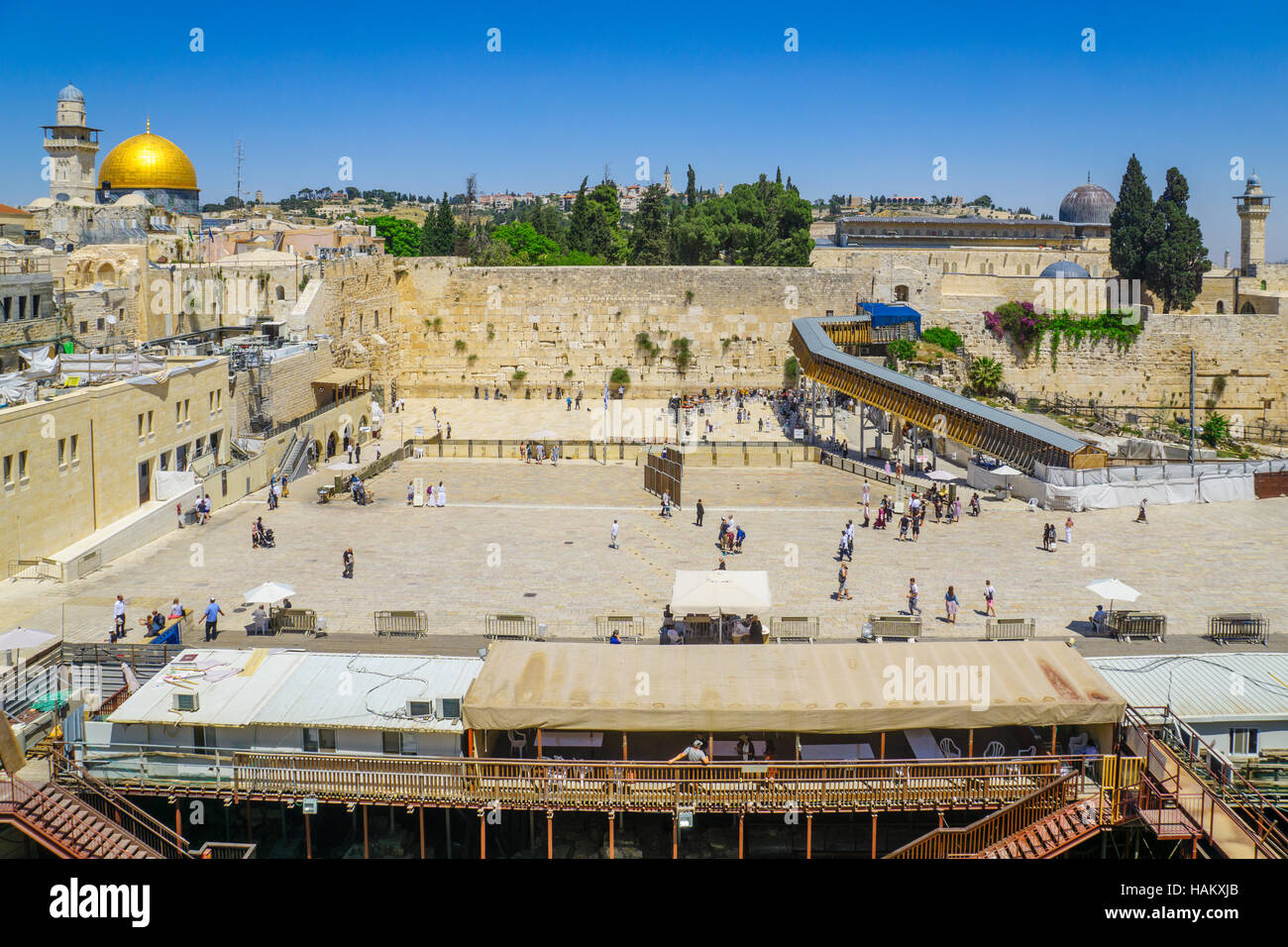 JERUSALEM, ISRAEL - APRIL 29, 2016: View of the western wall (Wailing Wall), Al-Aqsa Mosque and the Dome of the - Stock Image
