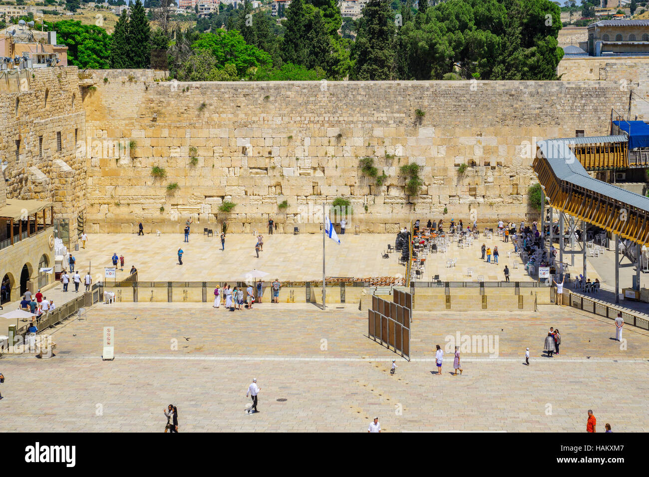 JERUSALEM, ISRAEL - APRIL 29, 2016: View of the western wall (Wailing Wall), with locals and visitors.  The old - Stock Image