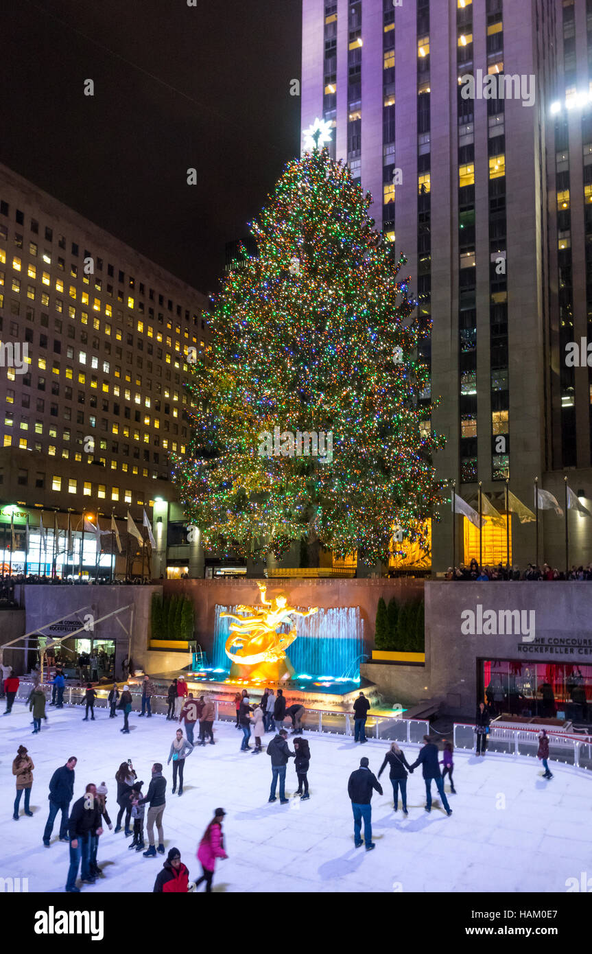 Giant Christmas tree at The Rink at Rockefeller Center in New York ...