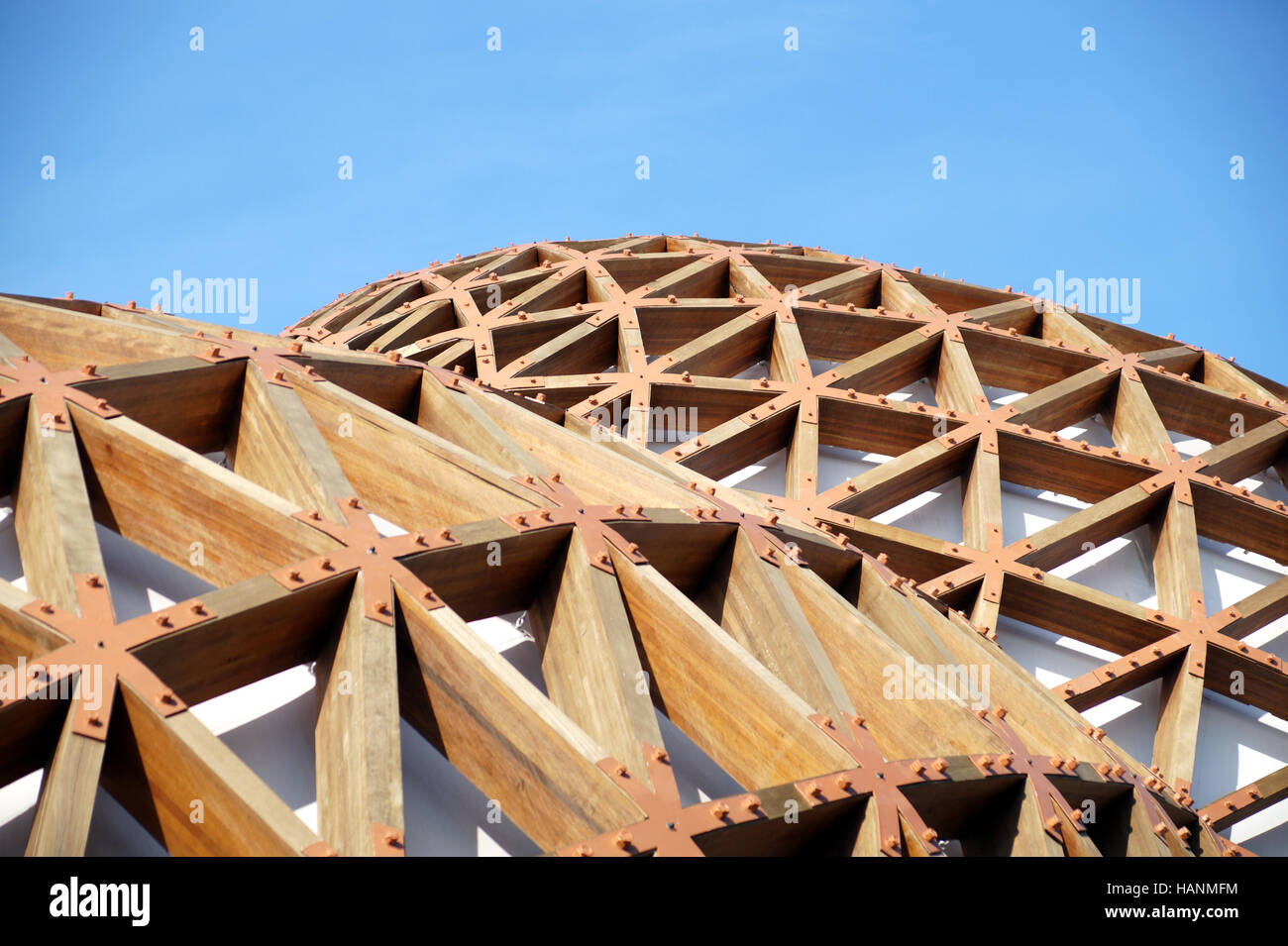 Glued Laminated Timber : Detail of a modern wooden architecture in glued laminated