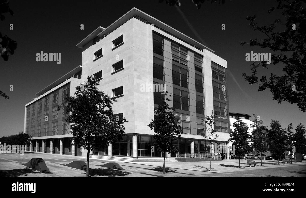 2 Humber Quays Wellington Street West Kingston Upon Hull  office block, glass and steel construction - Stock Image