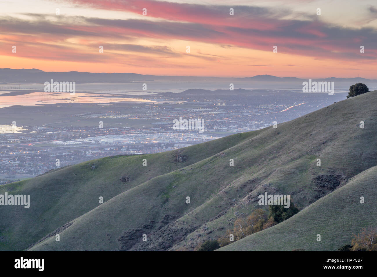 Silicon Valley and Rolling Hills at Sunset. Monument Peak, Ed R. Levin County Park, Milpitas, California, USA. - Stock Image