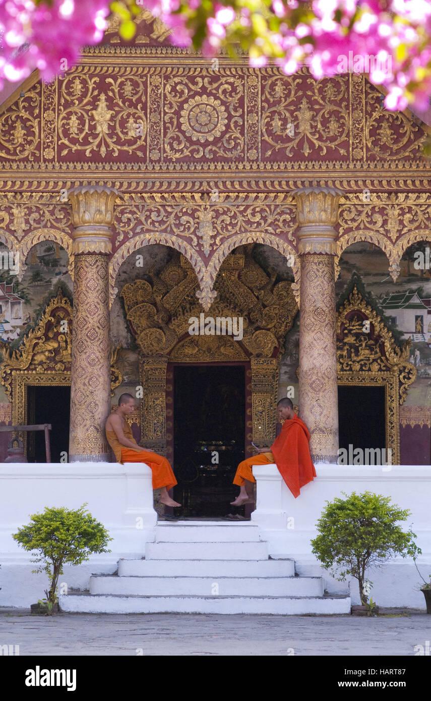 Buddhistische Mönche in Tempel - Stock Image