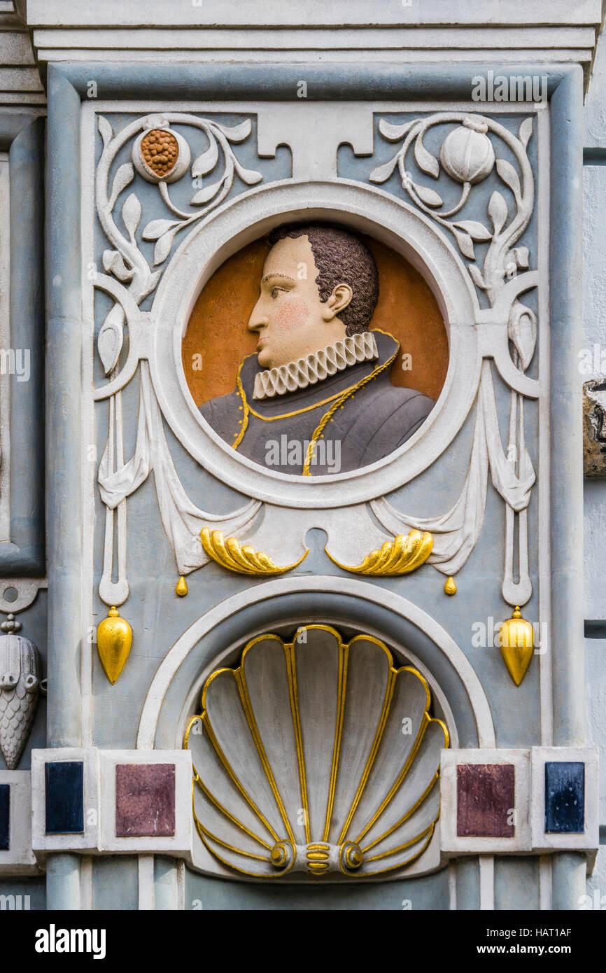 Poland, Pomerania, Gdansk (Danzig), medallion bust of King of Poland Wladislaw IV Vasa at the portal of Artus Court - Stock Image
