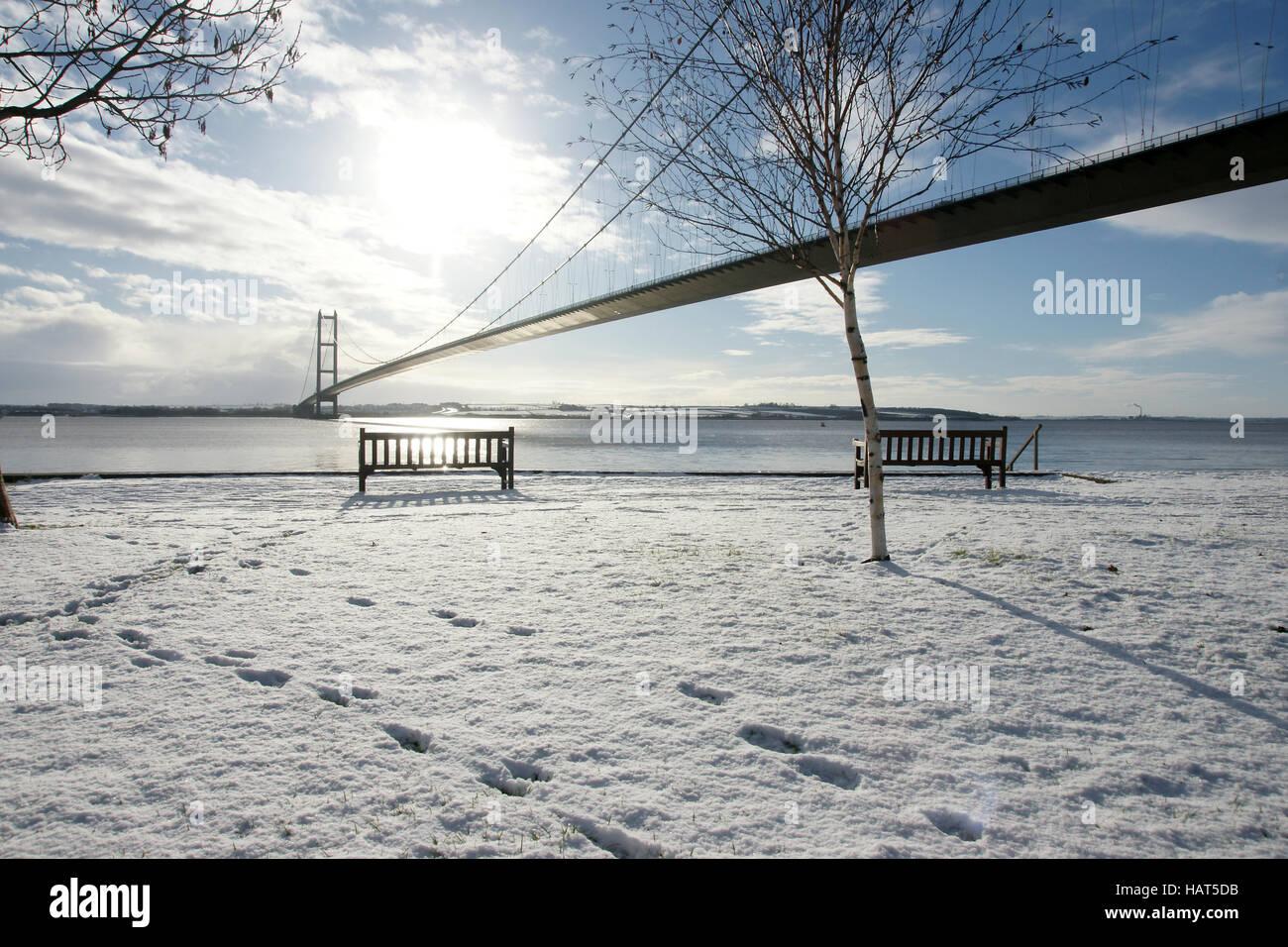 Humber Bridge, Hessle, Kingston upon Hull, snow - Stock Image