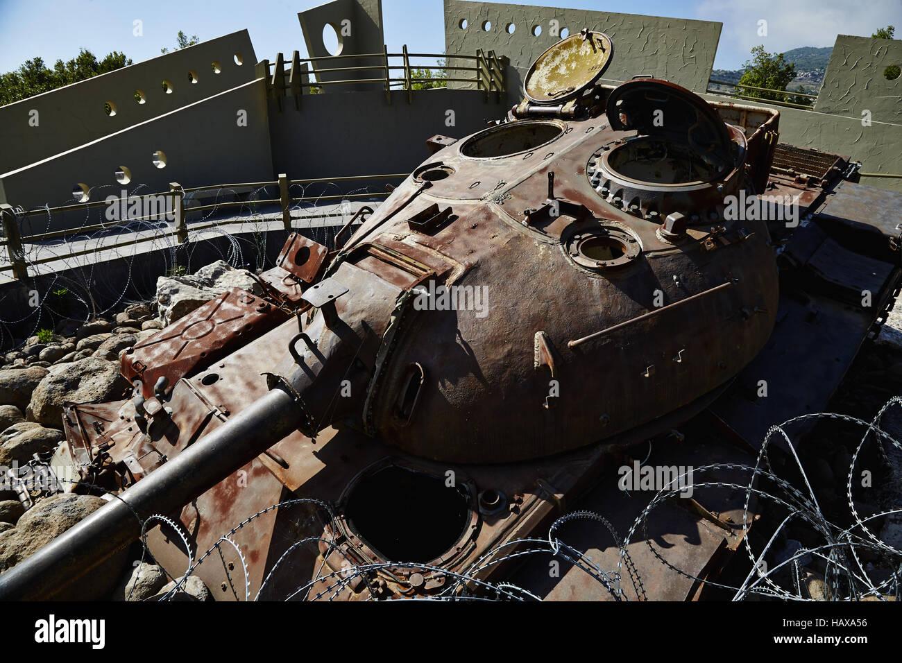 טנק מרכבה ככה צהל שיקר לחיילים ושלח אותם למותם בלבנון  Hezbollah-museum-for-resistance-tourism-HAXA56
