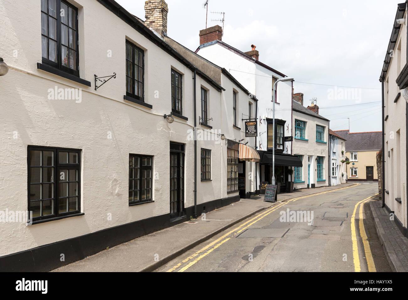 Narrow road with no parking markings, Caerleon, Wales, UK - Stock Image