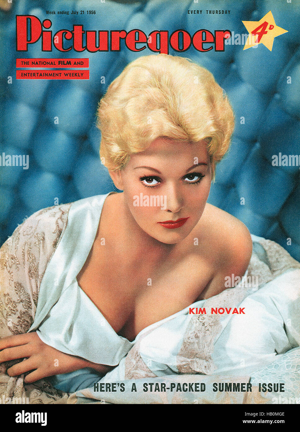 Front cover of Picturegoer magazine for 21st July 1956 featuring actress Kim Novak - Stock Image