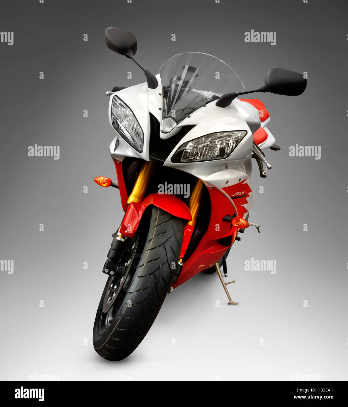 Middleweight supersport bike Yamaha YZF-R6 2006 red-white racing motorcycle - Stock Image