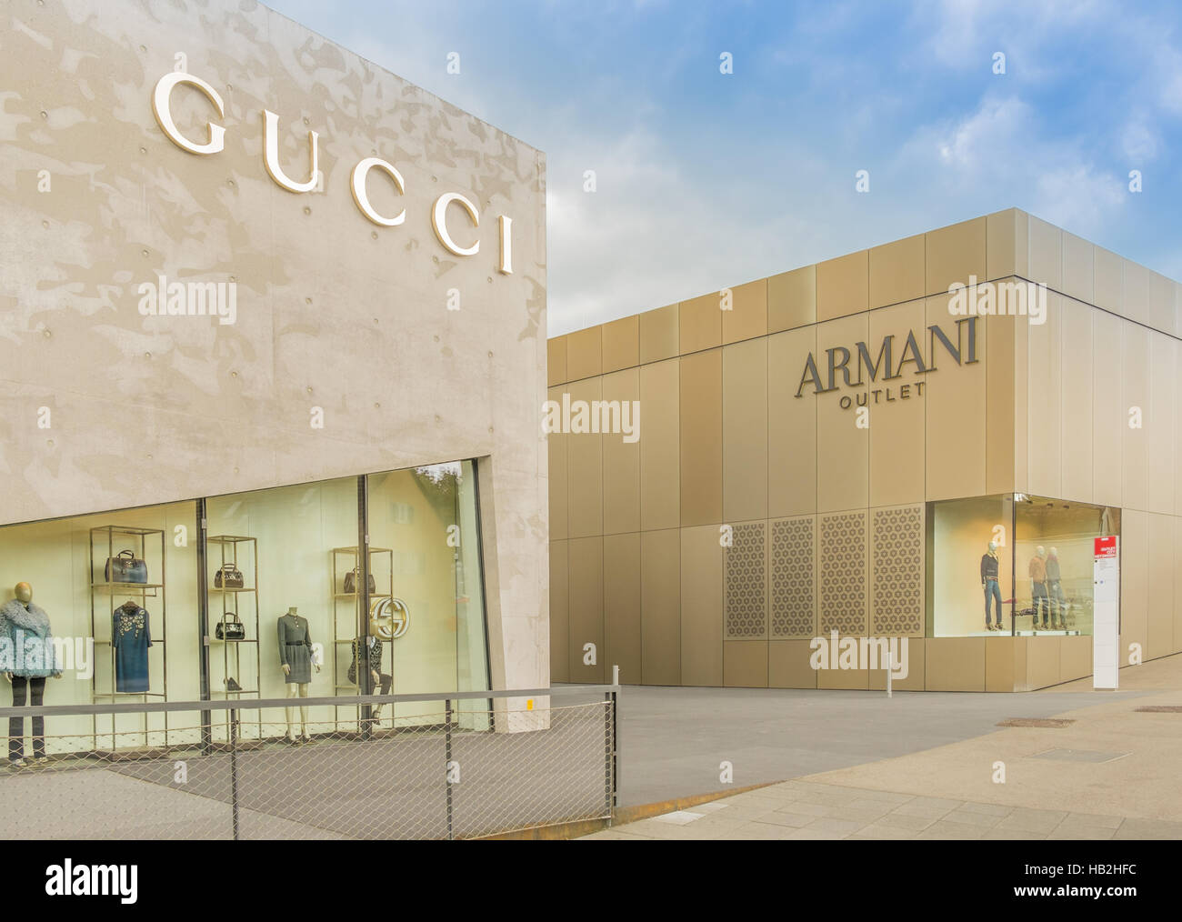 new product 0fba9 19c7d gucci, armani outlet Stock Photo: 127291456 - Alamy
