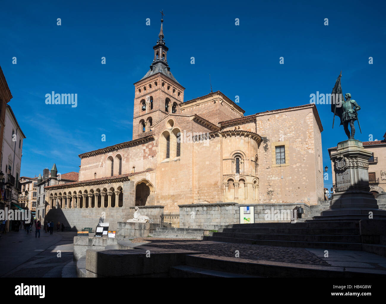 The romanesque Church of San Martin with its mudejar bellfry, in the Plaza Medina del Campo, Segovia, Spain - Stock Image