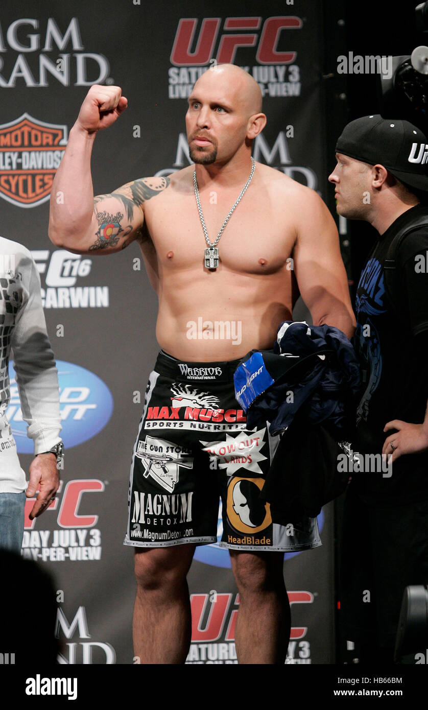UFC fighter Shane Carwin at th...