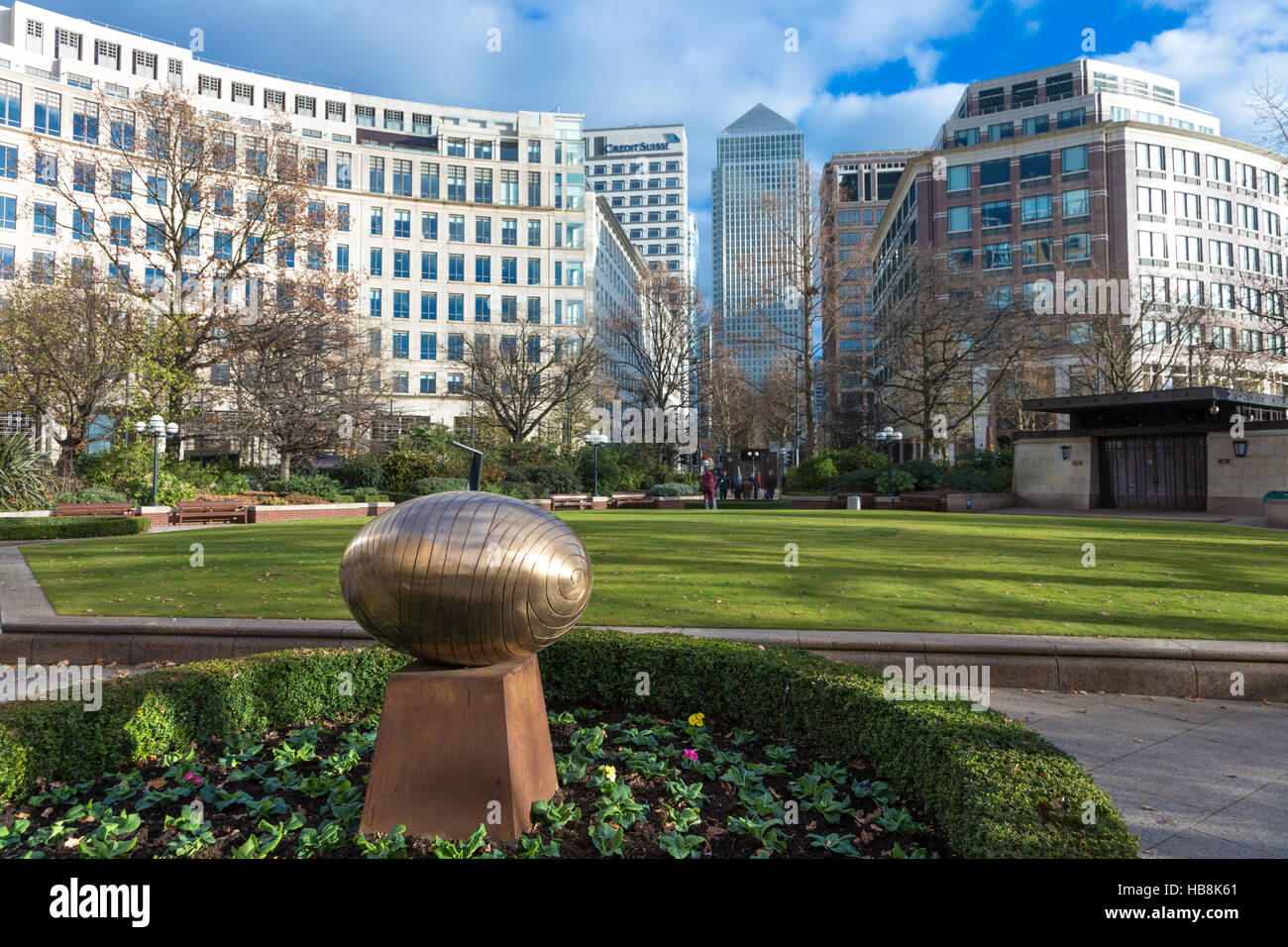 Westferry Circus in Canary Wharf - with 'Sasso Cosmico' by Do Vassilakis-Koning and One Canada Square in - Stock Image