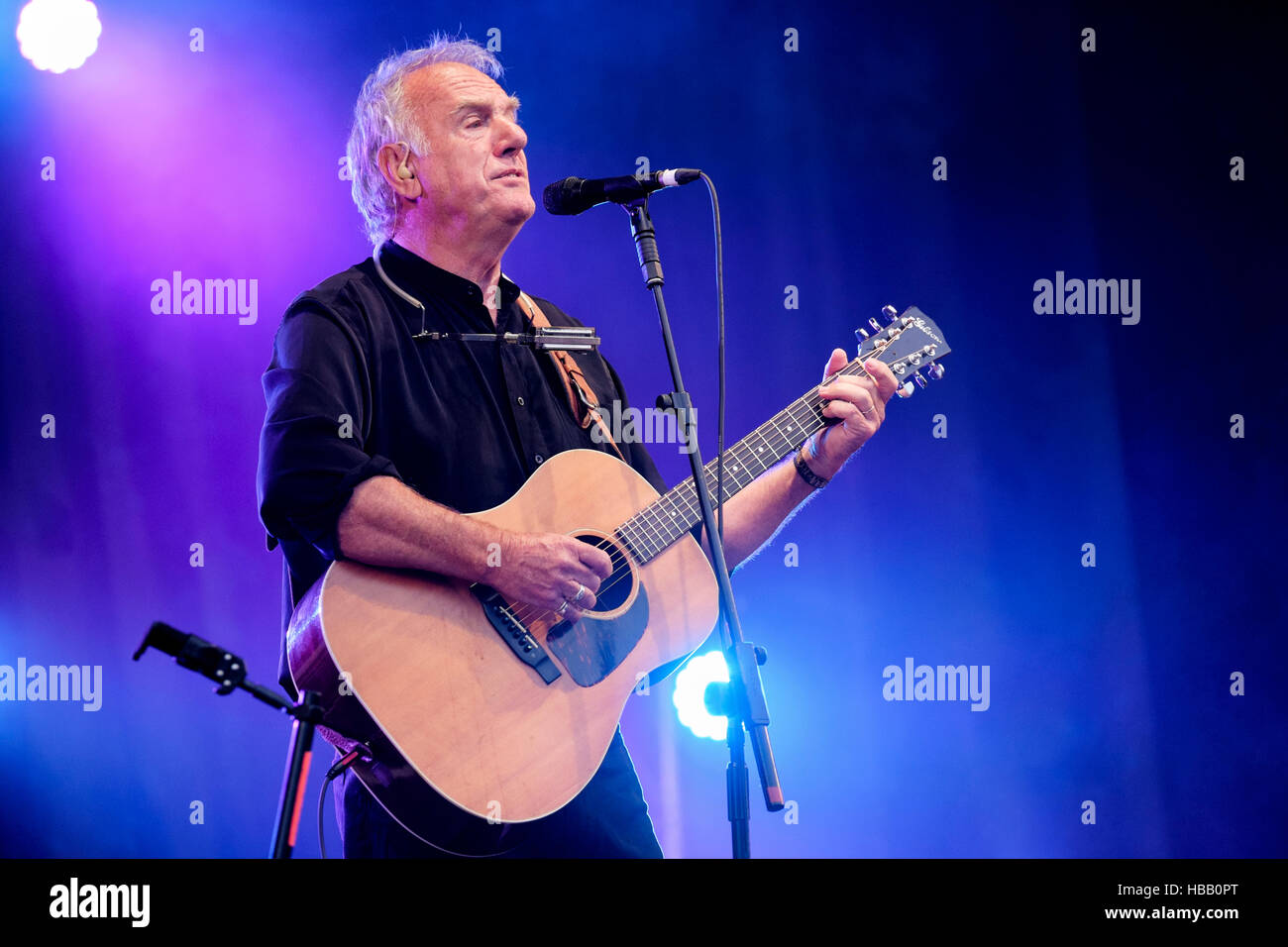 Ralph McTell performing at Fairport's Cropredy Convention,  Banbury, England, UK. August 13, 2016 - Stock Image
