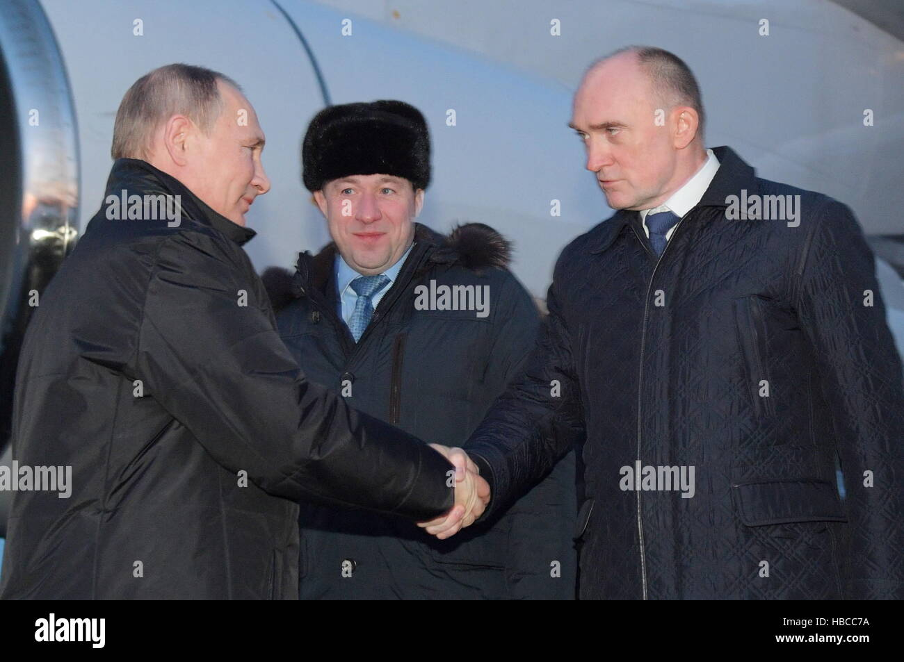 Chelyabinsk Region, Russia. 5th Dec, 2016. Chelyabinsk Region Governor Boris Dubrovsky (R) welcomes Russia's - Stock Image