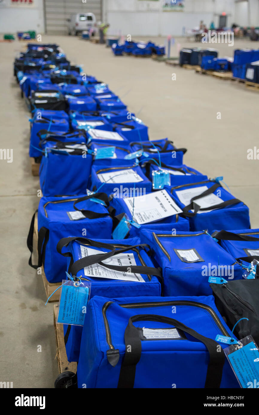 Michigan, USA. 6th December, 2016. Ballot boxes from the 2016 presidential election awaiting an election recount - Stock Image