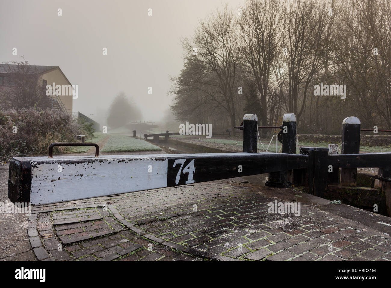 Lock 74 on the Trent & Mersey Canal in Middlewich, Cheshire - Stock Image
