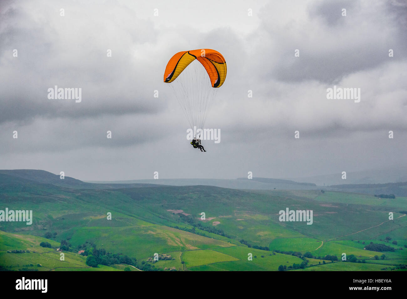 Paragliding, Peak District, Derbyshire, UK. - Stock Image