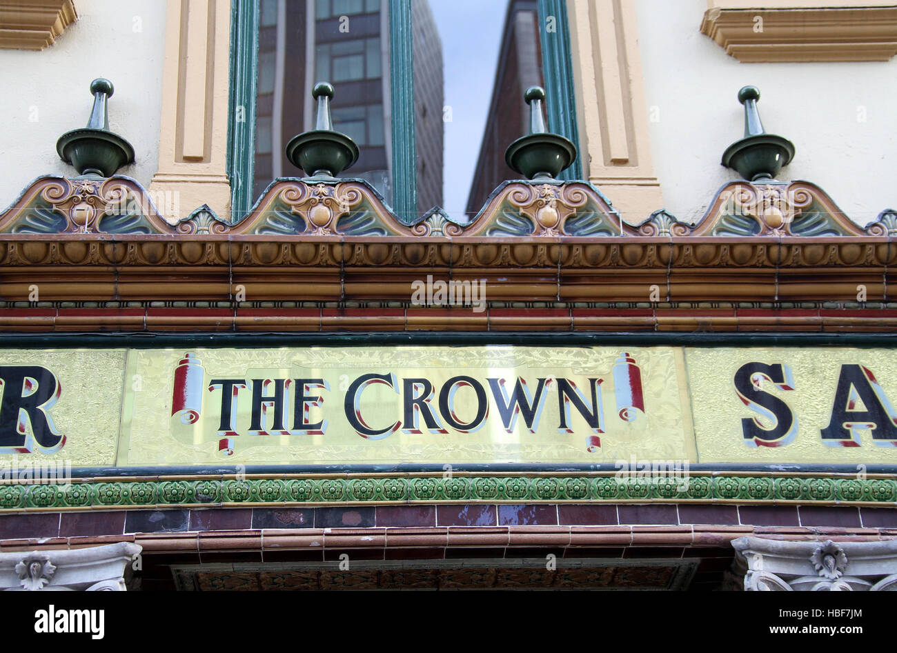 The famous Crown Liquor Saloon in Belfast City Centre - Stock Image