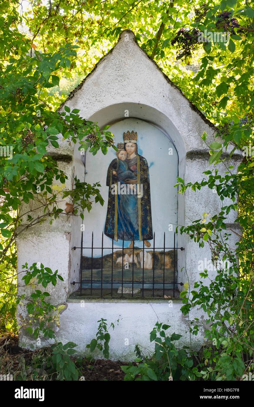 Religious shrine between Dollnstein and Breitenfurt, Altmühltal, Upper Bavaria, Bavaria, Germany - Stock Image